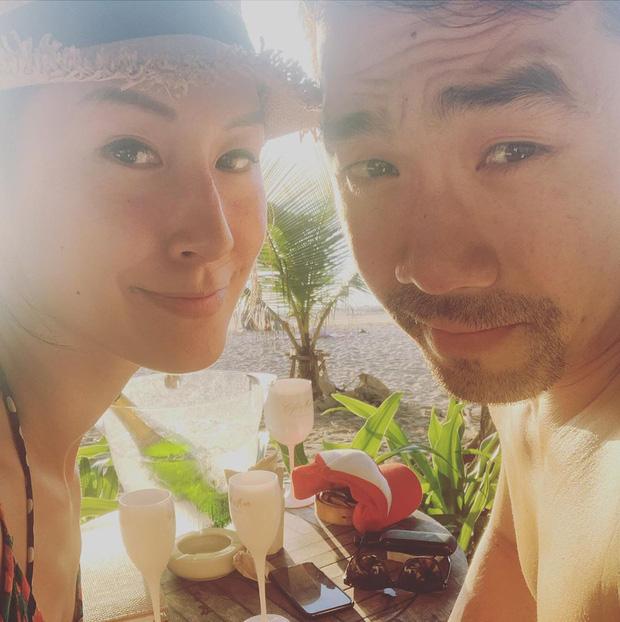 Kathy Uyên lần đầu công khai bạn trai sau khi chia tay mối tình 10 năm, tưởng ai xa lạ hóa ra bạn thân của vợ chồng Hà Tăng - Ảnh 1