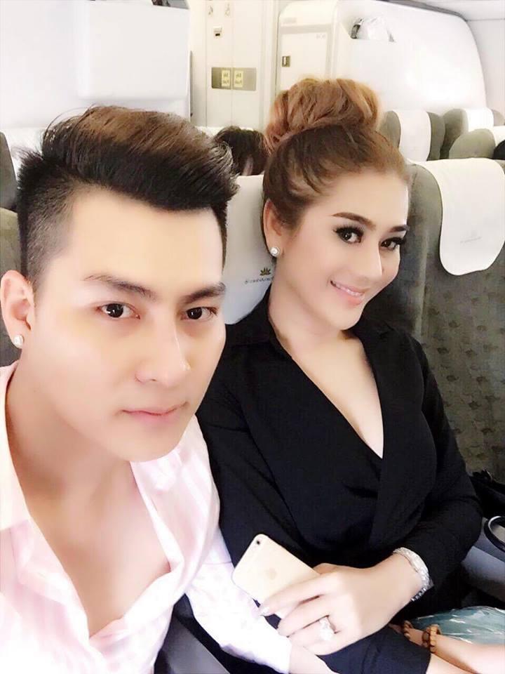 Lâm Khánh Chi hóa thiếu nữ đôi mươi bên dàn cầu thủ điển trai U23 - Ảnh 13