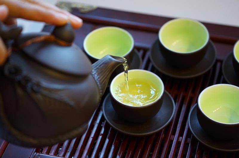 Bạn sẽ không bao giờ uống trà buổi sáng khi bụng rỗng nữa nếu biết trước những tác hại khôn lường này - Ảnh 1