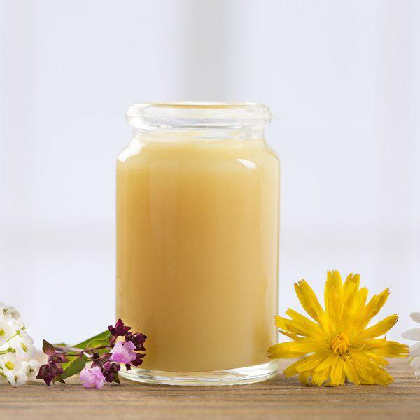 Bỏ túi 4 công thức dưỡng da siêu đơn giản mà hiệu quả bất ngờ cùng sữa ong chúa - Ảnh 1