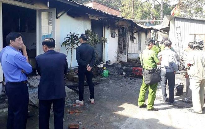 Camera chỉ rõ, người hàng xóm phóng hỏa giết cả gia đình ở Đà Lạt - Ảnh 2