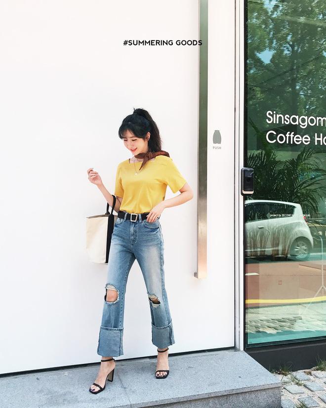 Sắm gì thì sắm, tủ đồ của bạn nên có đủ 4 kiểu quần jeans này để không bao giờ phải lo 'không có gì để mặc' - Ảnh 4