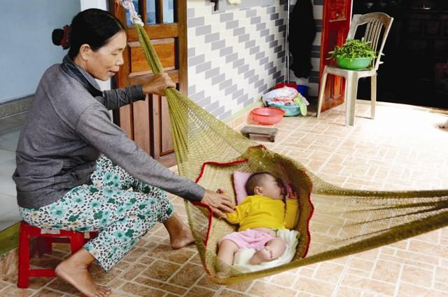 Cha mẹ lưu ý: Ru con ngủ không đúng cách có thể khiến trẻ phải đối mặt với nguy hiểm này - Ảnh 1