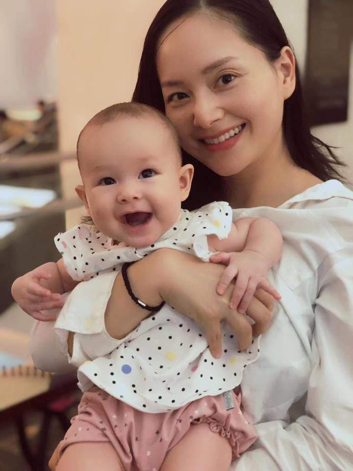 Rò rỉ loạt ảnh siêu đáng yêu của Lina – con gái Lan Phương và chồng Tây trong tiệc sinh nhật tròn 1 tuổi - Ảnh 1