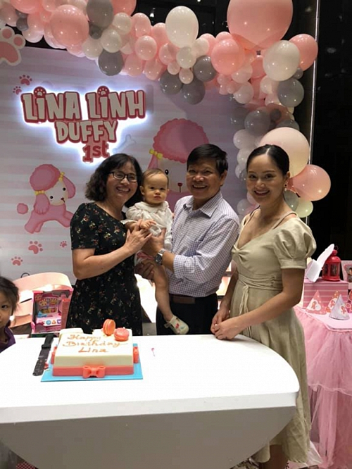 Rò rỉ loạt ảnh siêu đáng yêu của Lina – con gái Lan Phương và chồng Tây trong tiệc sinh nhật tròn 1 tuổi - Ảnh 3