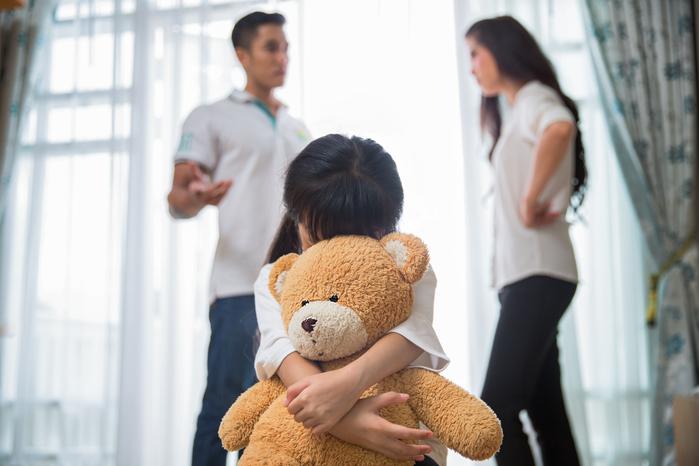 Tâm thư của người con có gia đình đổ vỡ: Cha vui duyên mới, mẹ cũng đi lấy chồng, chỉ mình con là cô đơn - Ảnh 1