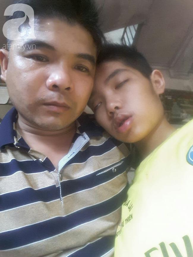 Vợ và con trai 16 tuổi mắc bệnh u não, người chồng nghèo bất lực giành giật sự sống từng ngày cho 2 mẹ con - Ảnh 2