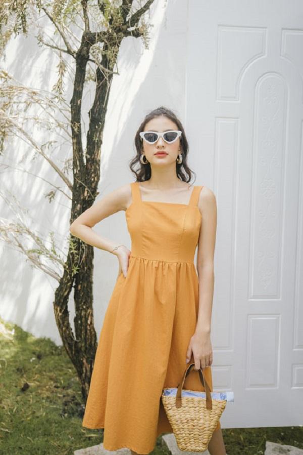 4 kiểu váy 2 dây sang chảnh cần có trong tủ đồ mùa hè này - Ảnh 5