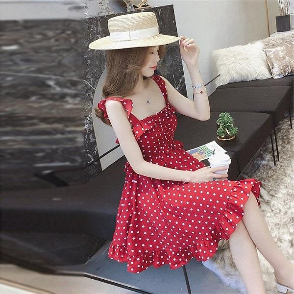 4 kiểu váy 2 dây sang chảnh cần có trong tủ đồ mùa hè này - Ảnh 6