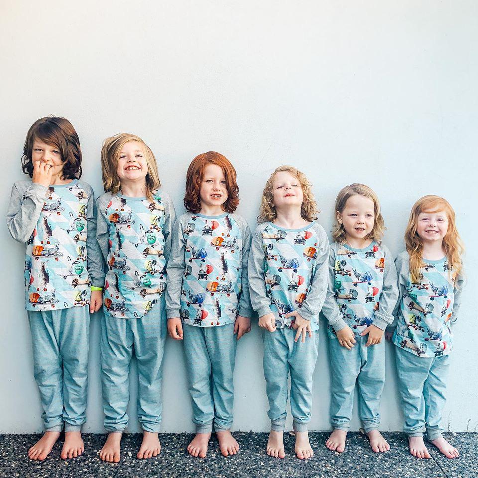 Bà mẹ khoe ảnh chụp 6 đứa con vô cùng đáng yêu nhưng có 1 chi tiết khiến người xem đặc biệt chú ý - Ảnh 2