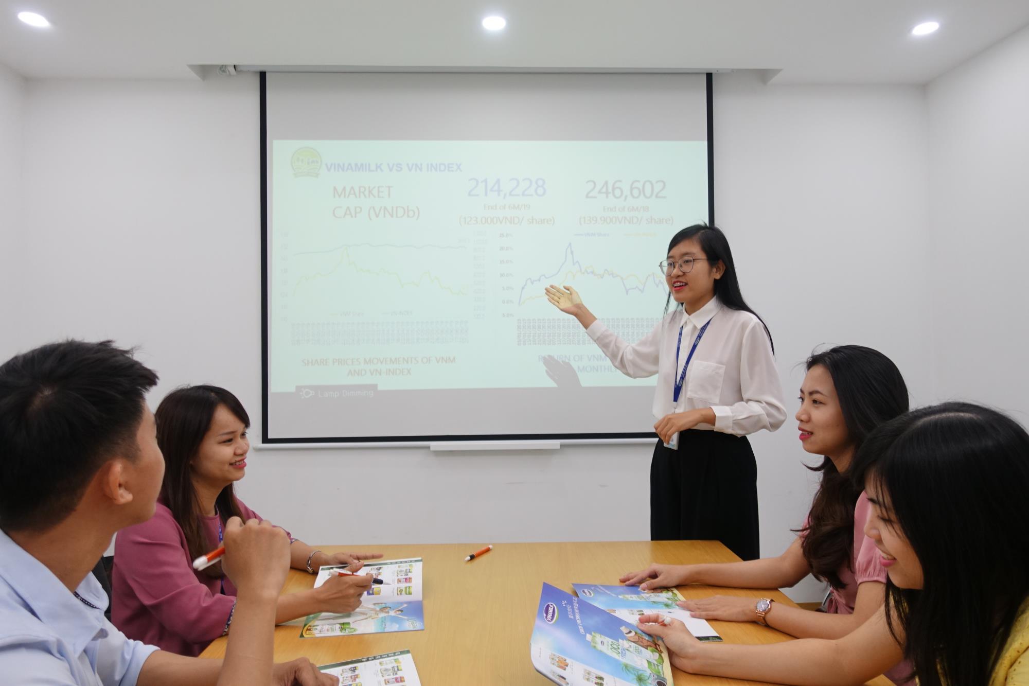 Thế hệ trẻ và những lý do khao khát 'đầu quân' cho một công ty sữa Việt - Ảnh 2