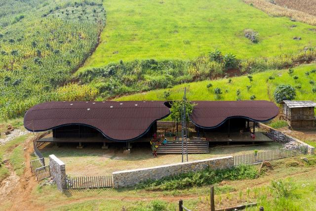 Trường mầm non giữa núi rừng Sơn La bất ngờ lọt top 10 công trình kiến trúc mới ấn tượng nhất thế giới năm 2020 - Ảnh 1