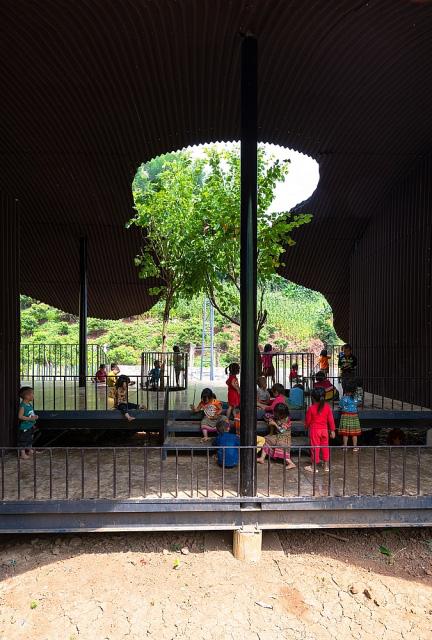 Trường mầm non giữa núi rừng Sơn La bất ngờ lọt top 10 công trình kiến trúc mới ấn tượng nhất thế giới năm 2020 - Ảnh 4
