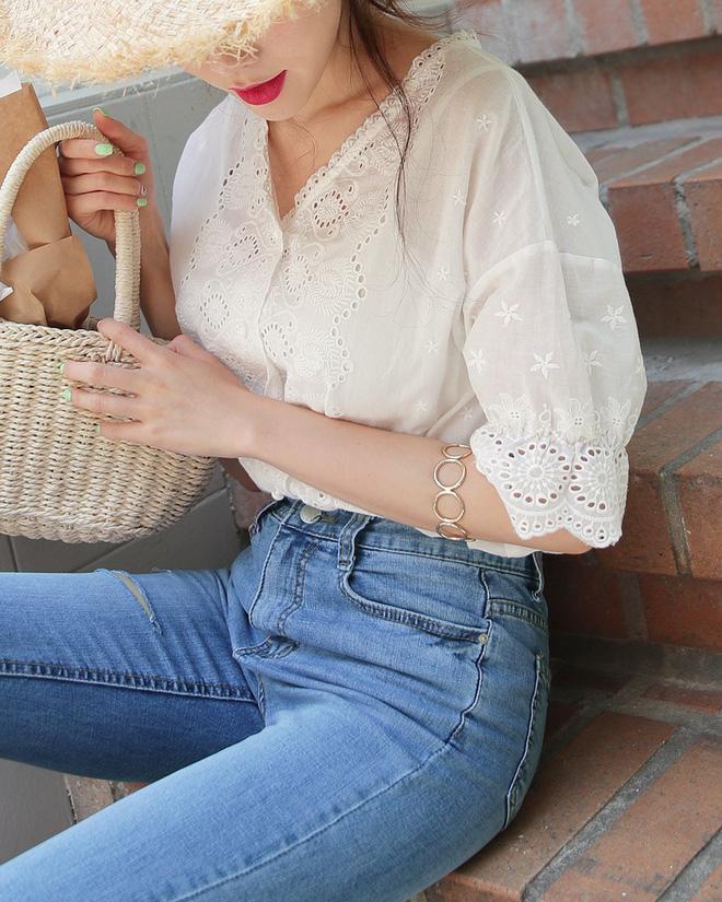 5 dáng áo blouse này đã gây sốt suốt từ đầu hè, hội chị em 'bánh bèo' không nên bỏ qua bất cứ mẫu nào - Ảnh 5