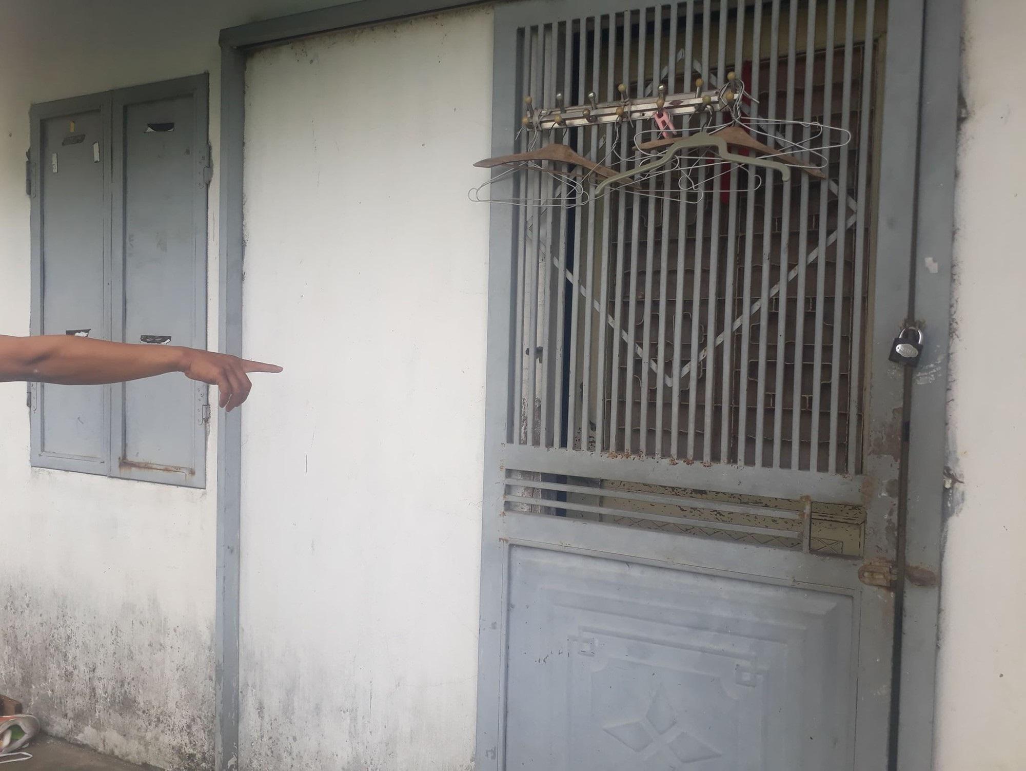 Người cha bị tố bạo hành hai con dã man: 'Dùng tuýp sắt to để đánh, đập đầu các con vào tường' - Ảnh 3