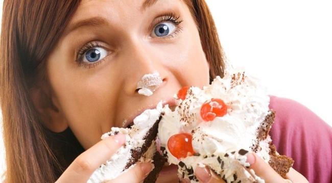 Phái đẹp cần bỏ ngay những thói quen ăn uống này - Ảnh 3