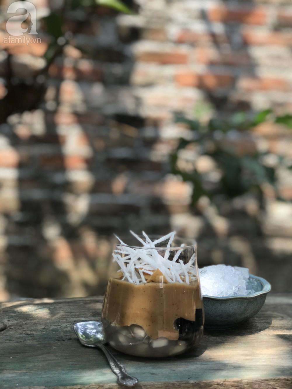 Cafe cốt dừa đang được 'săn đón' hè này - bạn đã biết cách làm chưa? - Ảnh 1