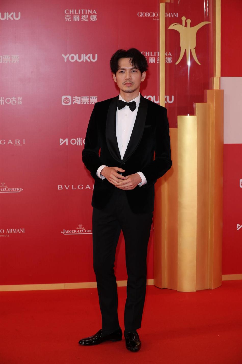 Dàn mỹ nhân Hoa ngữ đọ sắc trên thảm đỏ Liên hoan phim Thượng Hải 2019 - Ảnh 18