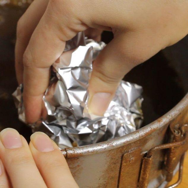 Chỉ với 20 nghìn đồng và 5 phút thực hiện, bạn đã có thể làm sạch đồ dùng bằng kim loại một cách nhanh chóng và dễ dàng - Ảnh 5