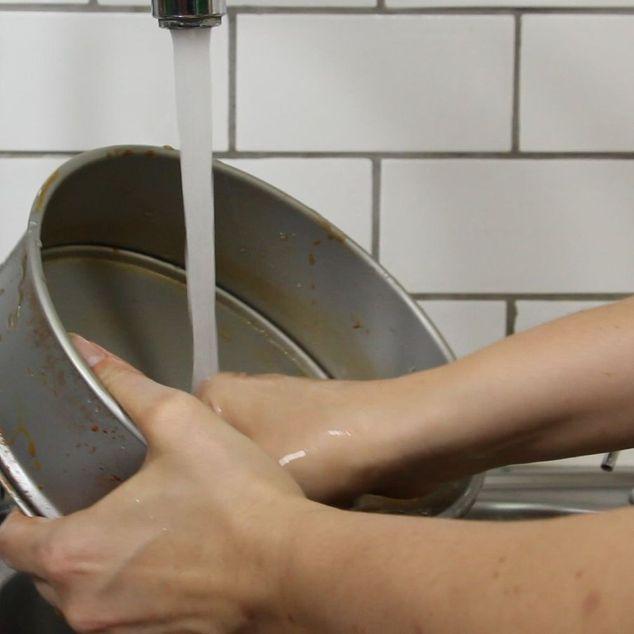 Chỉ với 20 nghìn đồng và 5 phút thực hiện, bạn đã có thể làm sạch đồ dùng bằng kim loại một cách nhanh chóng và dễ dàng - Ảnh 6