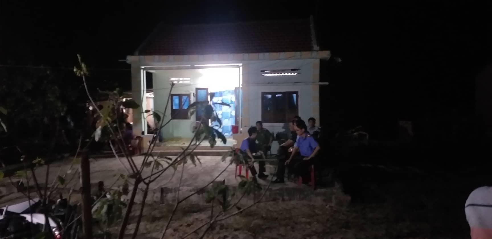 Nóng: Cha tử vong, 2 con nguy kịch vì bị nhóm thanh niên đến tận nhà truy sát kinh hoàng - Ảnh 2