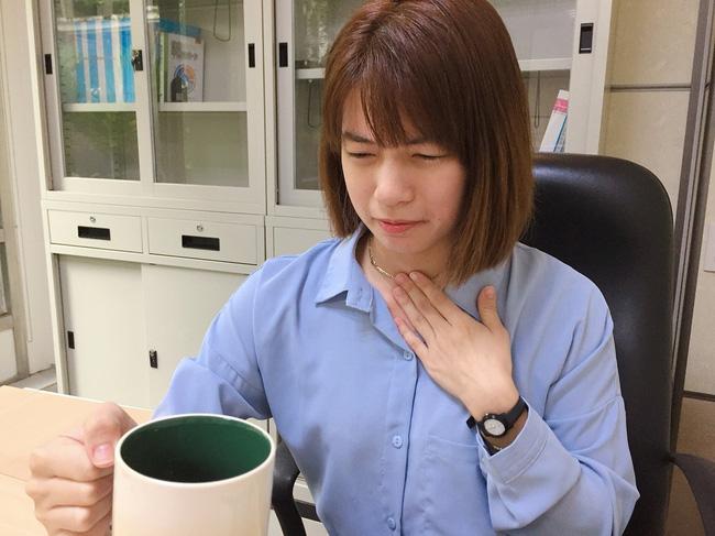 Con gái có dấu hiệu tức ngực, khó nuốt, bố mẹ lo lắng cho đi khám bệnh tim, kết quả là do căn bệnh mà nhiều người thường gặp - Ảnh 1