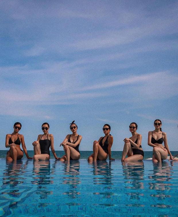Hội bạn sang chảnh của Hà Tăng - Tiên Nguyễn đồng loạt diện bikini khoe body, mẹ 2 con 'đốt mắt' với vòng 1 căng tràn - Ảnh 1