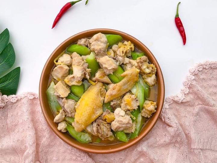 Bữa tối thèm thịt mà ngại dầu mỡ thì thử ngay món gà hấp mướp siêu ngon này - Ảnh 6