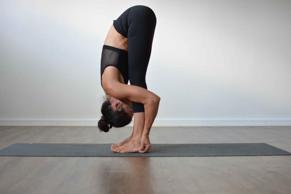 4 tư thế tập yoga tại nhà giúp bạn giảm mỡ bụng một cách triệt để - Ảnh 2
