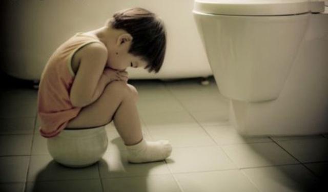 Chuyên gia tiêu hóa lưu ý cha mẹ 3 thời điểm trẻ hay bị táo bón - Ảnh 2