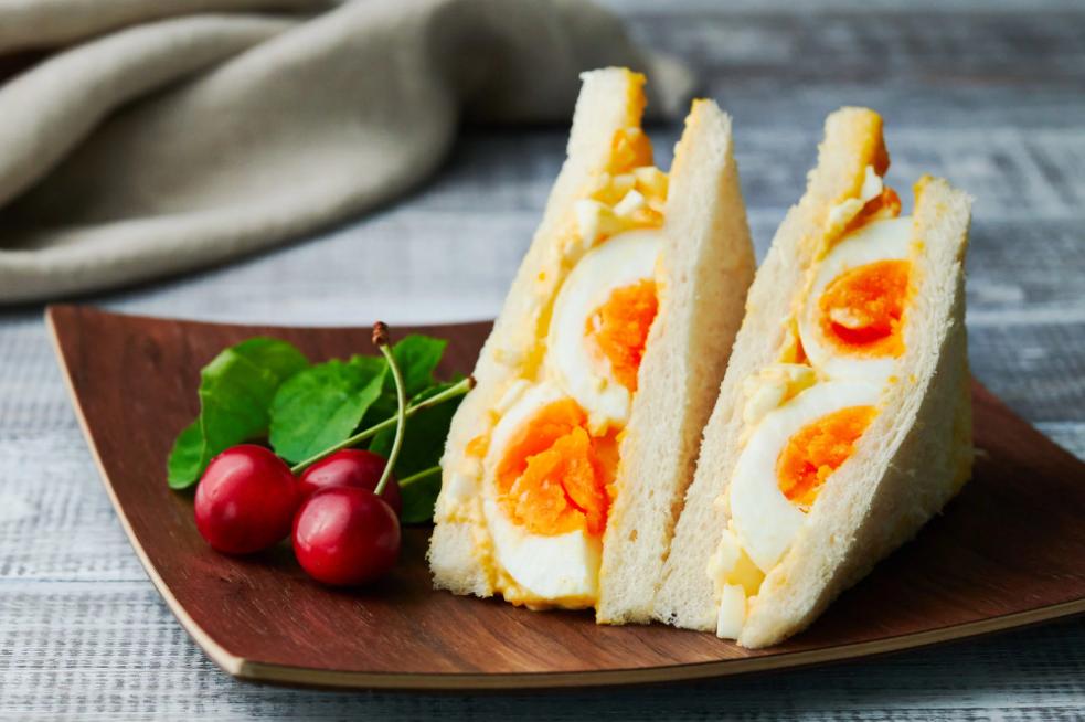 Sandwich trứng mà làm thế này thì bữa sáng ngon đẹp chuẩn không cần chỉnh! - Ảnh 4