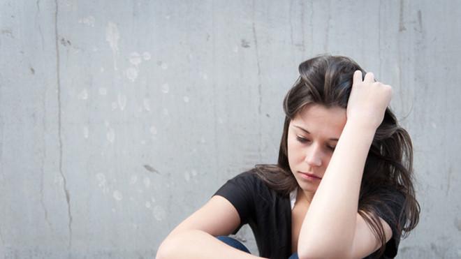 Đau đớn hối hận vì ngoảnh mặt làm ngơ, bỏ mặc vợ bị đánh ghen, dù cô ấy đã cầu cứu - Ảnh 2