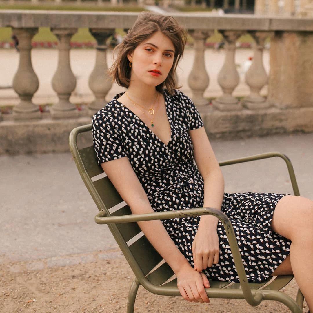 """Để luôn thanh lịch như những quý cô Paris, 5 items thời trang """"cộm cán"""" của họ sẽ là thứ mà bạn chẳng thể bỏ qua - Ảnh 2"""