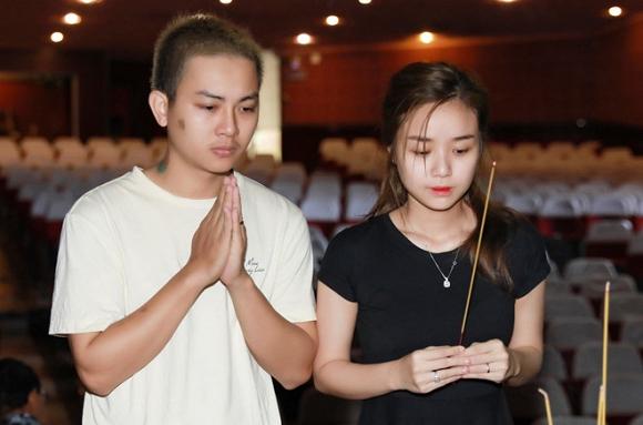 Hoài Lâm bất ngờ tuyên bố không ai yêu và chịu đựng mình nhiều như vợ - Ảnh 1