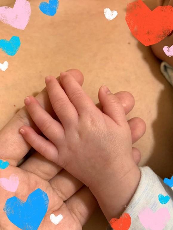 Sau 8 năm kết hôn, Thanh Ngọc nhóm 'Mắt Ngọc' vui mừng thông báo sinh con đầu lòng - Ảnh 1