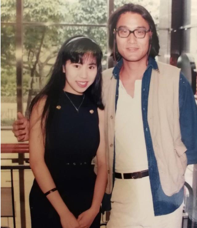 Tìm ra fan cuồng số 1 Hong Kong: Chụp ảnh với nửa showbiz, khiến hàng nghìn người ghen tị vì được Trương Quốc Vinh thân mật - Ảnh 8
