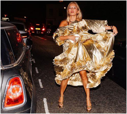 Mùa mới, diện váy công chúa xuống phố là xu hướng - Ảnh 5