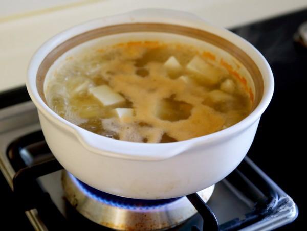 Nếu bạn cần giảm cân, bữa tối chỉ nên ăn một tô canh đậu nấu nấm là đủ! - Ảnh 3
