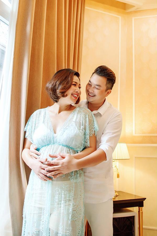 Sau 4 năm kết hôn, Lê Khánh hạnh phúc đón con trai đầu lòng ở tuổi 37 - Ảnh 3