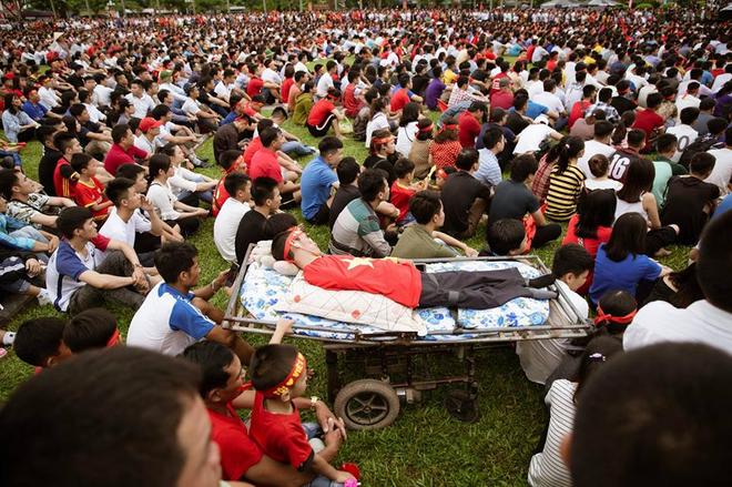 Trước trận Việt Nam - Malaysia, xuất hiện một hình ảnh khiến người ta phải 'cay mắt' - Ảnh 3
