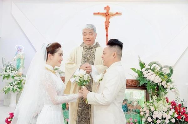 Bảo Thy phát tướng, diện váy nhăn nheo, bị chê xuề xòa trong tiệc cưới - Ảnh 3