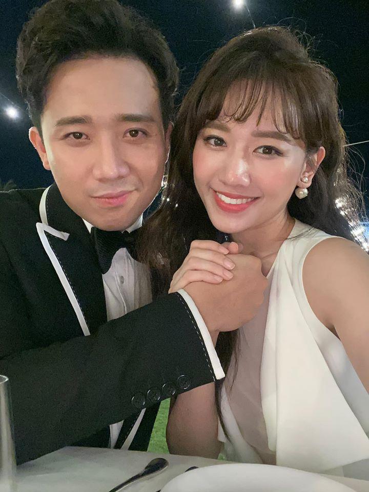 Trấn Thành đăng ảnh khóa môi bà xã cực tình cảm ở Hàn Quốc: 3 năm kết hôn vẫn mặn nồng như thuở mới yêu - Ảnh 1