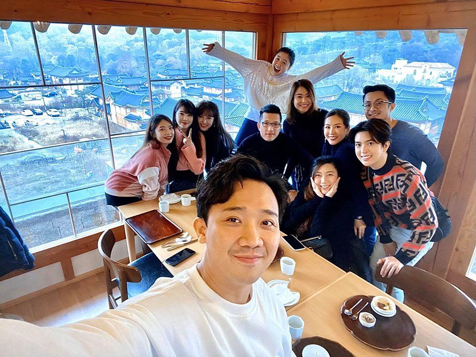 Trấn Thành đăng ảnh khóa môi bà xã cực tình cảm ở Hàn Quốc: 3 năm kết hôn vẫn mặn nồng như thuở mới yêu - Ảnh 3