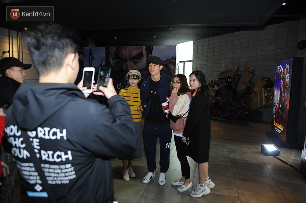 Bắt gặp Duy Mạnh tay trong tay đi xem phim với bạn gái sau khi lên ngôi vô địch AFF Cup - Ảnh 4