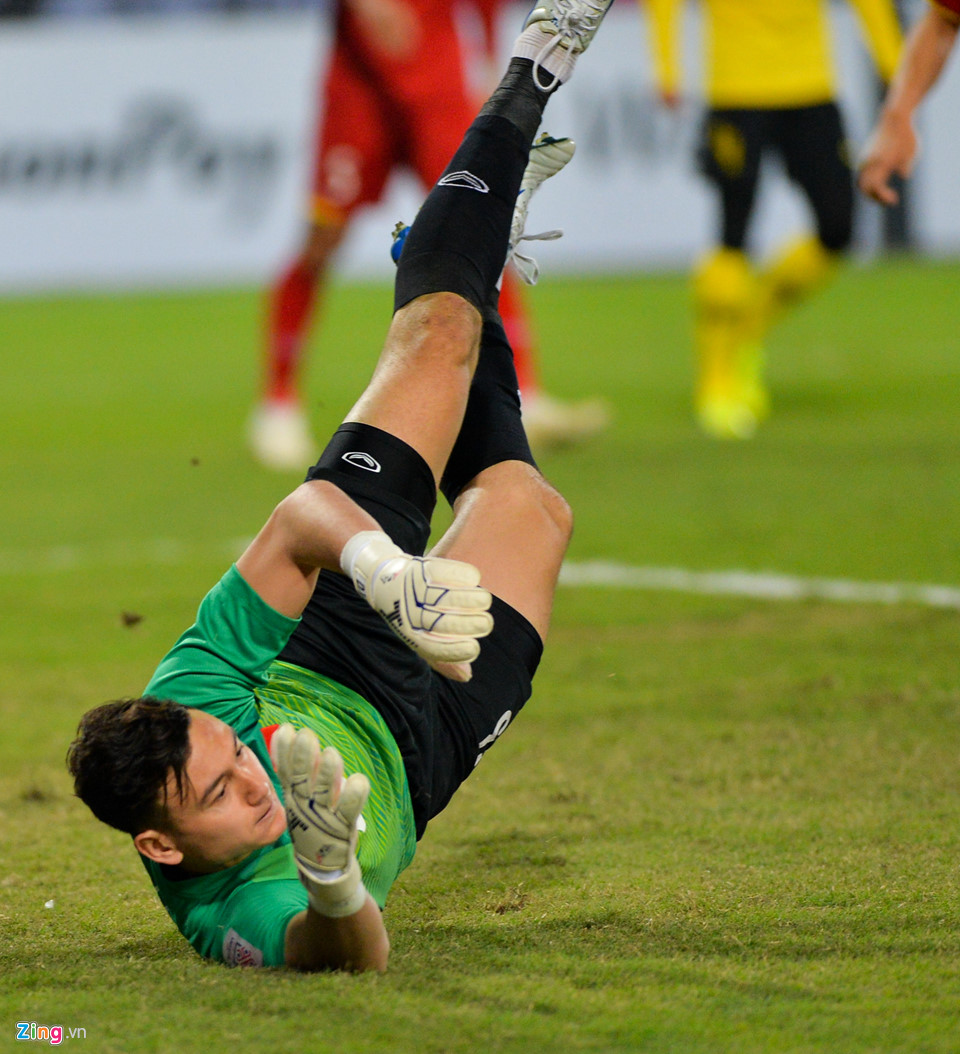 Đặng Văn Lâm khóc sau khi giúp tuyển Việt Nam vô địch AFF Cup - Ảnh 3