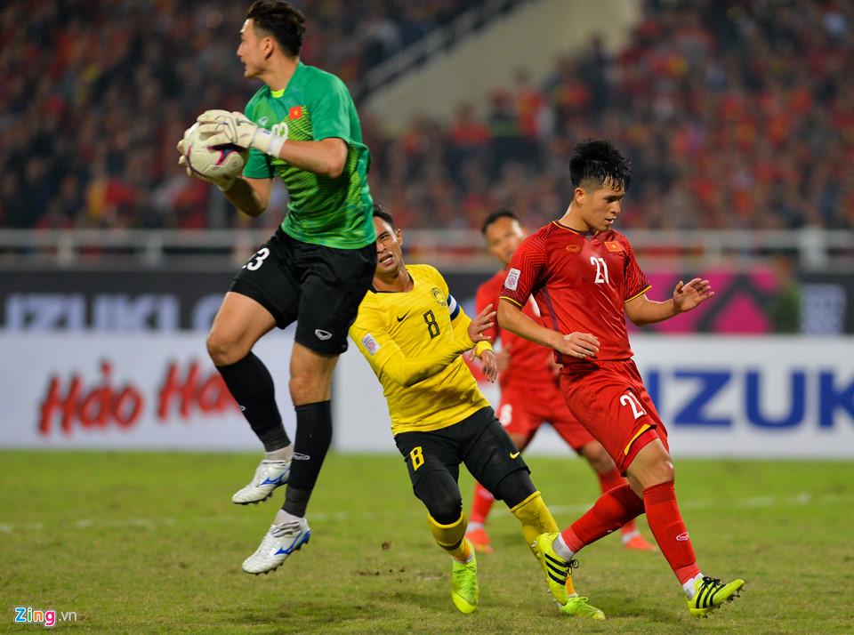 Đặng Văn Lâm khóc sau khi giúp tuyển Việt Nam vô địch AFF Cup - Ảnh 8