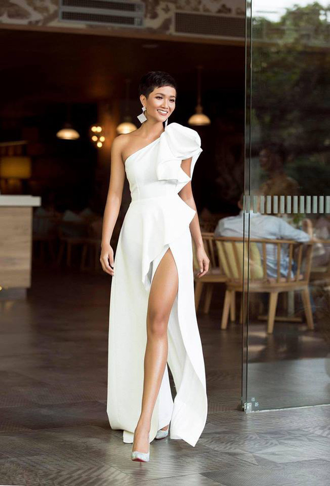Gần sát chung kết, H'Hen Niê bỗng hóa quý cô thanh lịch với trang phục không thể dịu dàng, quý phái hơn - Ảnh 3
