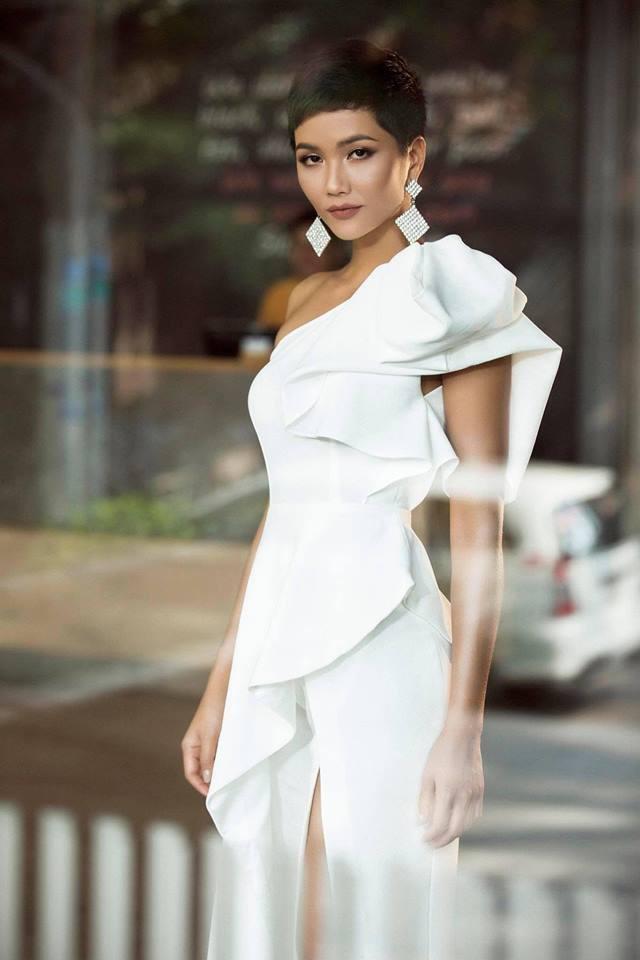 Gần sát chung kết, H'Hen Niê bỗng hóa quý cô thanh lịch với trang phục không thể dịu dàng, quý phái hơn - Ảnh 4