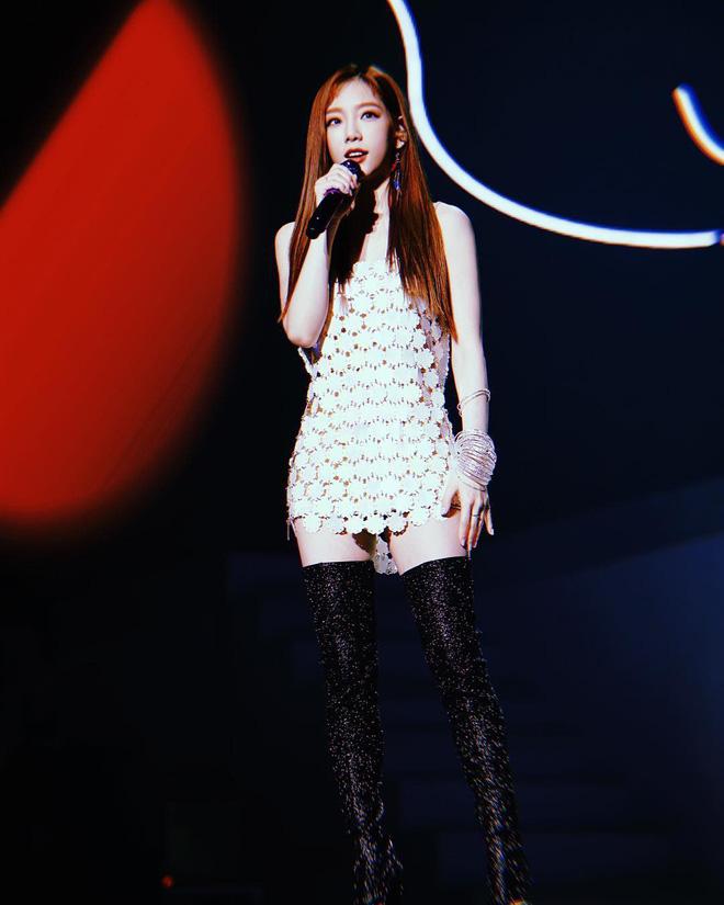 """Gặp tai nạn hi hữu trên sân khấu, Taeyeon gửi tâm thư trấn an người hâm mộ đồng thời """"dằn mặt"""" SM - Ảnh 3"""