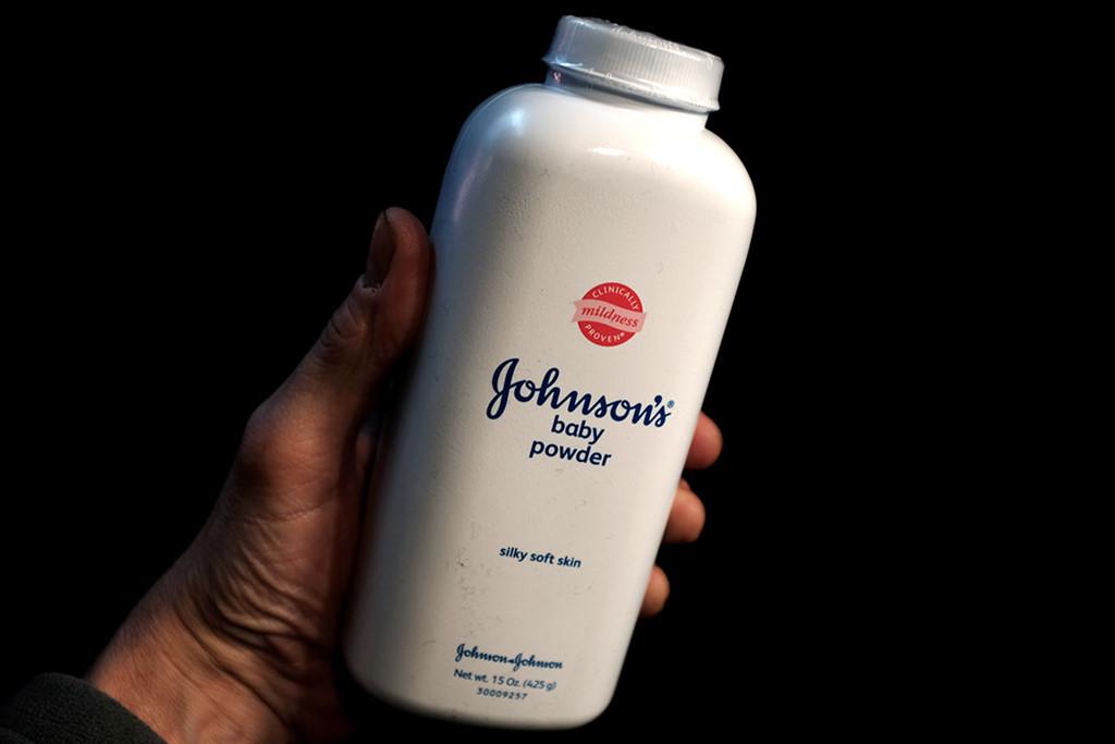 Johnson & Johnson giấu thông tin phấn rôm chứa chất gây ung thư? - Ảnh 2